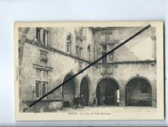 CPA - Brive - La Cour Du Petit Séminaire - Brive La Gaillarde