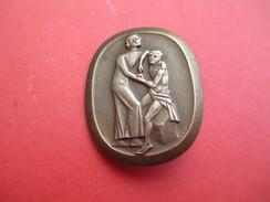 Insigne à épingle/ Suisse/ Protection De L'Enfance ? / à Déterminer/ Bronze/ Huguenin   Le Locle / Vers 1950      MED178 - Sonstige Länder