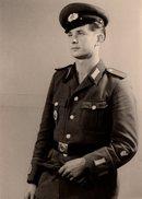 Photo Originale Militaire - Portrait D'un Jeune Militaire Au Strabisme Convergent  Prononcé En Studio - Guerre, Militaire