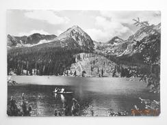 Postcard Tatransky Narodny Park Boats On Lake My Ref B21909 - Czech Republic