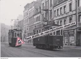 """Croisement De Motrices """"De Dietrich"""" Des Tramways, Avenue De Colmar à Mulhouse (68) - - Mulhouse"""