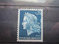 VEND BEAU TIMBRE DE FRANCE N° 1535a , XX !!! - 1967-70 Maríanne De Cheffer