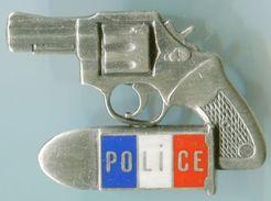 POLICE-PISTOLET En Relief - Police