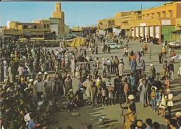 MAROC----MARRAKECH--place Djemaa El Fna--charmeurs De Serpents--voir  2 Scans - Marrakech