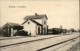 03 - VAUMAS - Gare - Wagon - Train - France