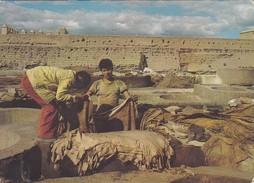 MAROC----MARRAKECH--les Tanneurs--voir  2 Scans - Marrakech