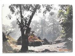 Postcard Afrique En Couleurs African Village  My Ref B21924 - Postcards