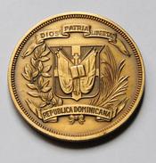 Dominican Republic - Medal - No Date - Profesionales / De Sociedad