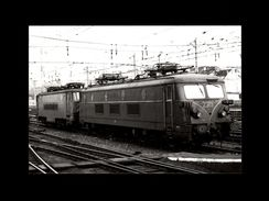 TRAINS - BRUXELLES - BELGIQUE - Locomotive 2319 -1977 - Trains