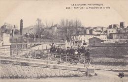 (19)    PERTUIS - La Passerelle Et La Ville - Pertuis