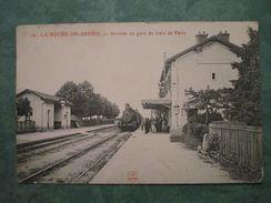 LA ROCHE-EN-BRENIL . Arrivée En Gare Du Train De Paris - Other Municipalities