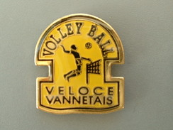 PIN´S  VOLLEYBALL - VELOCE VANNETAIS - Volleyball