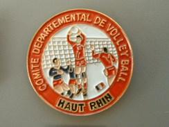 PIN´S  VOLLEYBALL - COMITE DEPARTEMENTAL HAUT RHIN - Volleyball