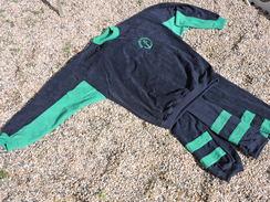 TENUE De SPORT -- MARINE NATIONALE  -- VESTE + 2 PANTALONS -- SUPER ETAT  !! - Uniforms