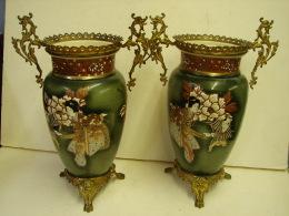 AO21. Paire De Vases Chinois En Faïence émaillée. A Déterminer. Voir Marques - Oriental Art
