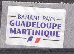 Vignette Etiquette Autocollante BANANE PAYS Guadeloupe Martinique / Banana ; Drapeau Tricolore , TB - Fruits & Vegetables
