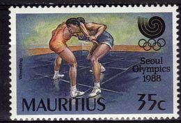 MAURICE    N° 704  * *   JO 1988   Lutte - Lutte