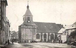 - Nievre -ref-A682-  Saint Saulge - St Saulge - Place De L Eglise - Carte Bon Etat - - France