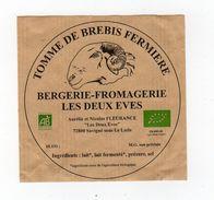 Sept17  721002   étiquette  Fromage   De Brebis Les Deux Eves  Savigné Sous Le Lude - Quesos