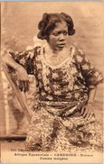 AFRIQUE - CAMEROUN - DOUALA - Femme Indigène - Camerún