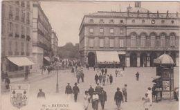 Pyrénées  Atlantique : Pays  Basque , BAYONNE : La  Palce  Du  Théatre   1922 - Bayonne