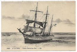 à La Mer - Voilier Rentrant Au Port - Voiliers