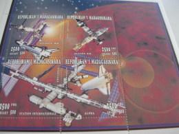 Madagascar-1996-Space Station-MI.1859-1862 - Madagascar (1960-...)