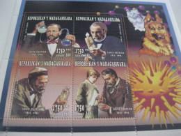 Madagascar-1996-famous People-Louis Pasteur-MI.1851-54 - Madagascar (1960-...)