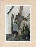 Autriche - Lienz - CPM  Année 1952 Sur  Carton  Légérement Collée 2 Jeunes Filles  En Costume Du Pays - Lienz