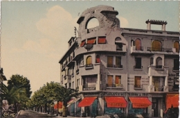 Bg - Cpsm Petit Format  Ste Maxime Sur Mer - Avenue De La Gare - Sainte-Maxime