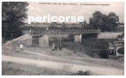 79 Argenton  L'église  La Passerelle Sur L'Argenton - Francia