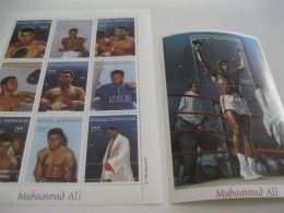 Central Africa-1999-famous People,sports-boxing-Muhammad Ali-MI.2135-43,BL617 - Centrafricaine (République)