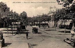 33 - ARCACHON - Place De La Mairie Et Le Cours Lamarque-de-Plaisance - Arcachon