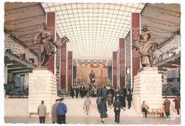 Exposition Universelle Bruxelles / Brussel Expo 58 - Paviljoen Van De U.S.S.R. - Groote Hall - Wereldtentoonstellingen