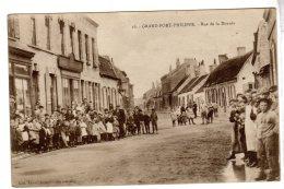 16. Grand-Fort-Philippe. Rue De La Dorade. Nombreux Enfants. - France