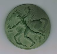 Médaille Belgique,Le Vainqueur à Cheval Par Darville 1954,plâtre Patine Vert Uniface - Belgique