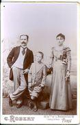 Photo Couple Avec Enfant C.Robert Avenue De La Bourdonnais Paris - Oorlog, Militair