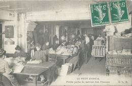 75 CPA PARIS Le Petit Journal Petite Partie Du Service Des Plieuses - France