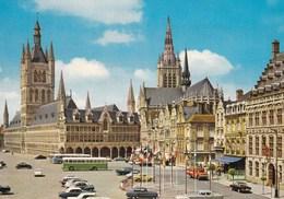 Ieper, Ypres, De Hallen En Marktplaats (pl38833) - Ieper
