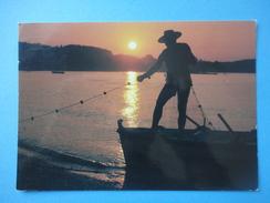 Tramonti - N. 24 - Barca Pescatore - Controluce