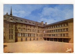 CP 10*15-K1470-ROSTRENEN COLLEGE NOTRE DAME DE COMPOSTAL  COUR INTERIEURE - France