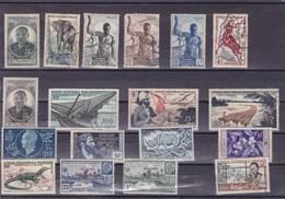 AEF ; : Y&T : Lot De 30 Timbres * Et O - A.E.F. (1936-1958)