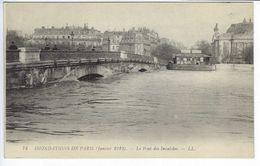 CPA Paris Animée # 74 Inondations De Janvier 1910 Le Pont Des Invalides - Inondations De 1910