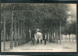 CPA - GUINGAMP - Le Vally, Les Promenades, Animé - Guingamp