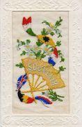 CPA 2040 - MILITARIA - Carte Brodée Militaire - Guerre 1914 - 18 - Souvenir - Drapeaux, Eventail & Fleurs - L'YSER - Ricamate