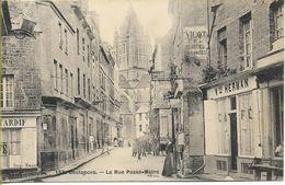 COUTANCES La Rue Passe-Maire - Coutances