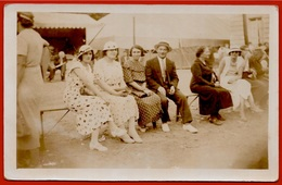 """CPA CARTE-PHOTO 95 AUVERS-sur-Oise """"Une Bande De Péquenaux Devant Les Chevaux De Bois à La Fête D'Auvers...Août 1935"""" - Auvers Sur Oise"""