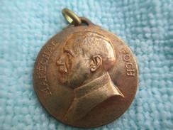 Médaille Patriotique/Maréchal FOCH/ Commandant En Chef Des Armées Alliées Opérant En France / 14 Avril 1918    MED196 - Insegne