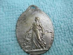 Médaille Patriotique/Journée Serbe/Métal Embouti/ 1916                 MED200 - Insignes & Rubans