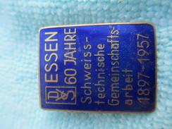Insigne De Poitrine à épingle/Industrie/S.D. /ESSEN 60Jahre/ Hoffstatter/BONN/Bronze Cloisonné/Suisse /1957       MED185 - Insegne